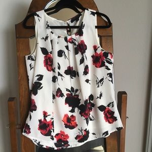 Larry Levine floral sleeveless top